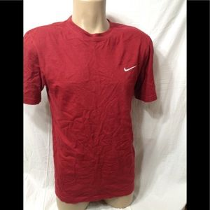 Men's size Medium NIKE standard fit t-shirt